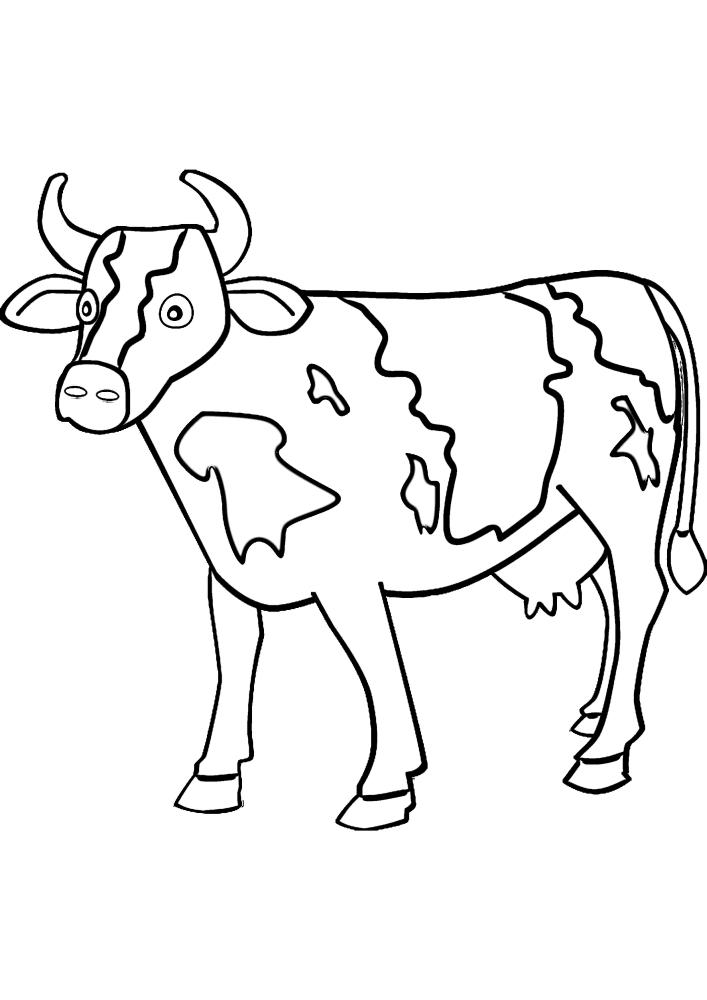Корова насторожилась.
