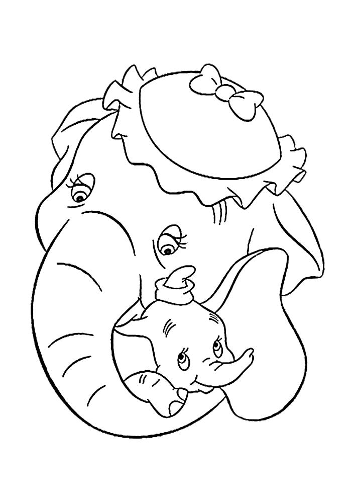 Милая семья слонов