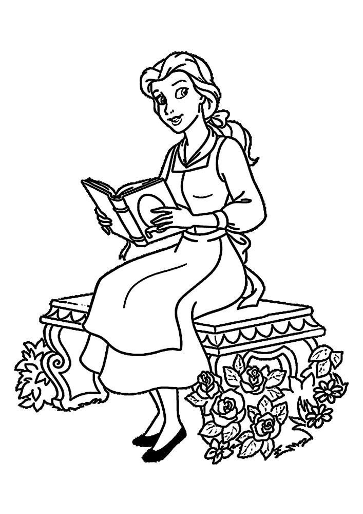 Белль читает книгу на свежем воздухе