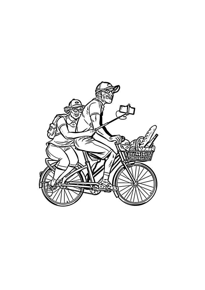 Дедушка и бабушка едут на велосипеде и делают селфи.