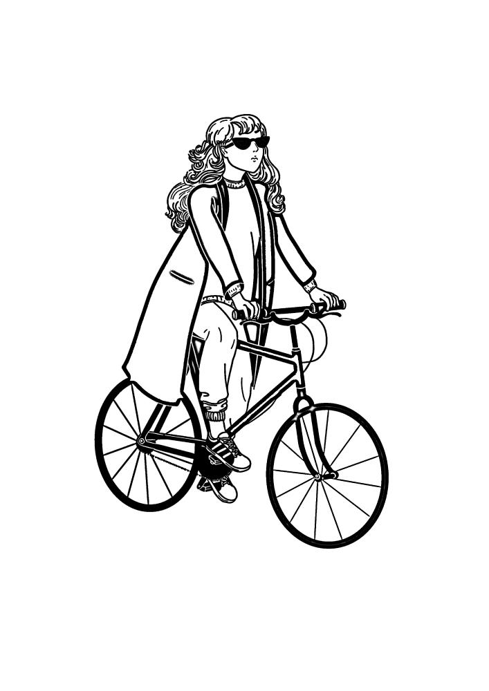 Модница на велосипеде